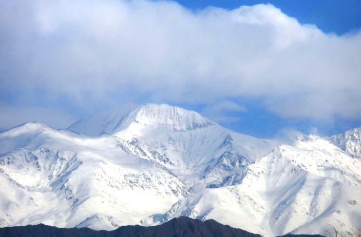 El cerro Plata blanco inmaculado. Foto: Hugo Villegas