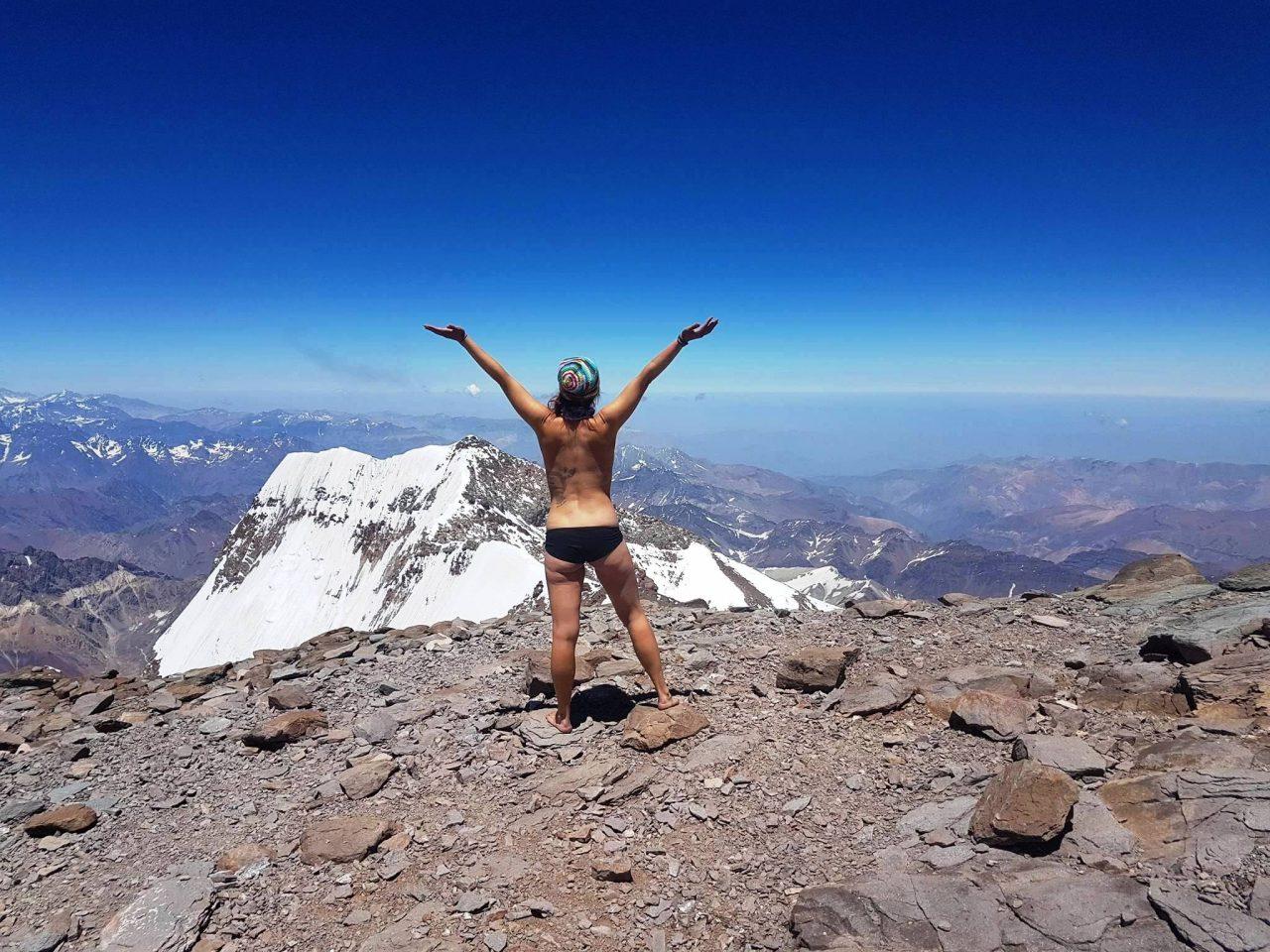 """Aconcagua, el gigante americano, una de las montañas más """"guiadas"""" en su corta temporada."""