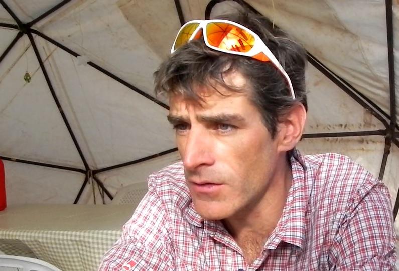Mariano Galván en Aconcagua dialogando con CUMBRES.