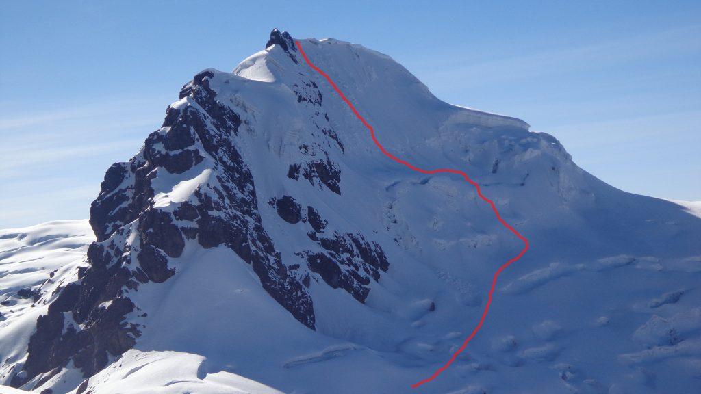 La ruta abierta en la cara Sur-suroeste del nevado Huayllaco.