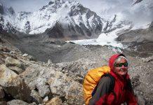 Ana María Iogna (66) en el Campo Base del Everest, en el Himalaya.