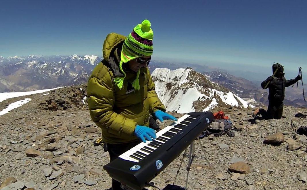 Dos objetivos logrados: llegar a la cumbre de Aconcagua y hacer allí música por la Paz.