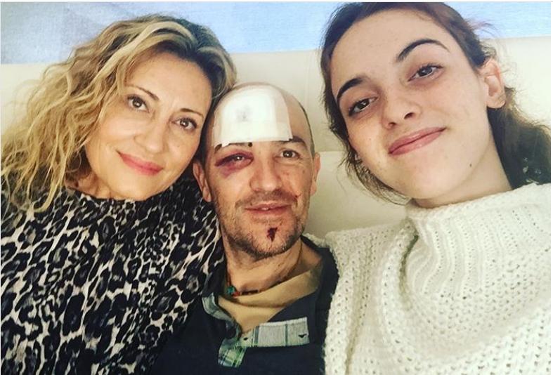 Sergi resultó herido por una piedra en Francia. Se recupera junto a su familia.