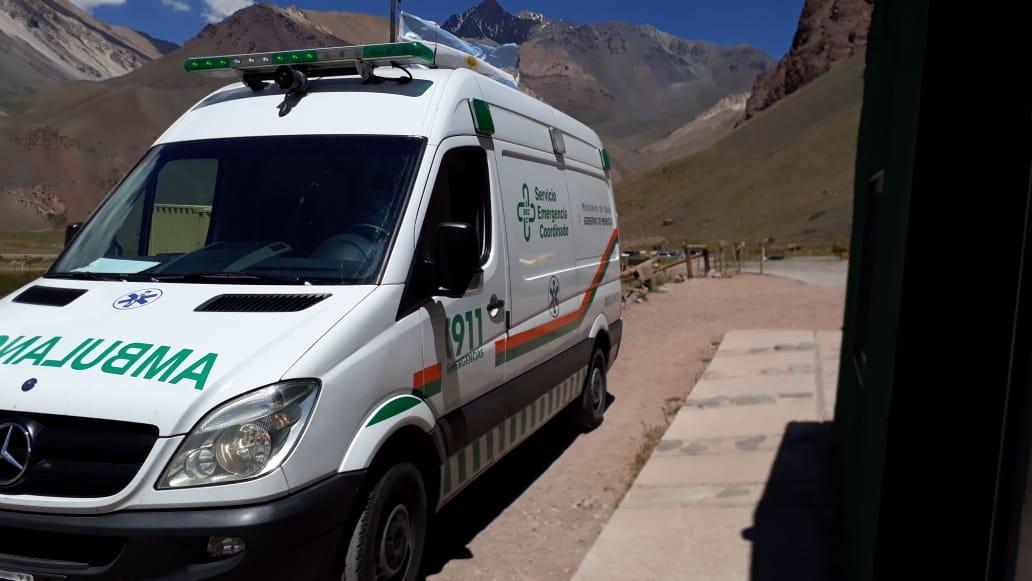 La ambulancia del Servicio Coordinado trasladó al paciente desde Aconcagua.