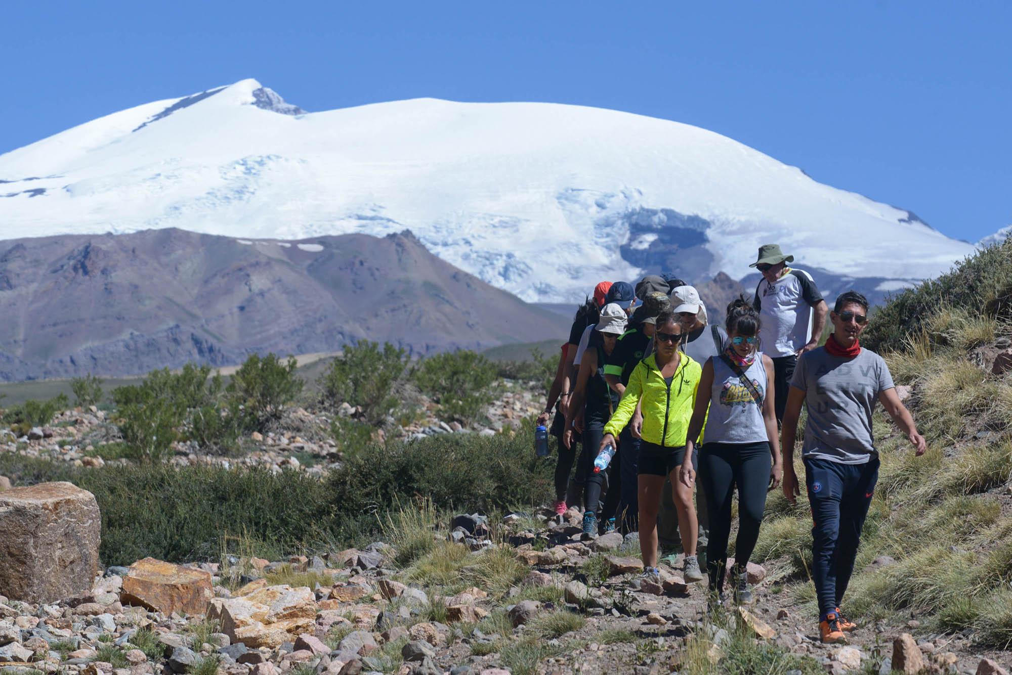 Cruce de los Andes. Jornadas a pleno sol en el corazón de la cordillera. (PH: Andrómeda agencia)