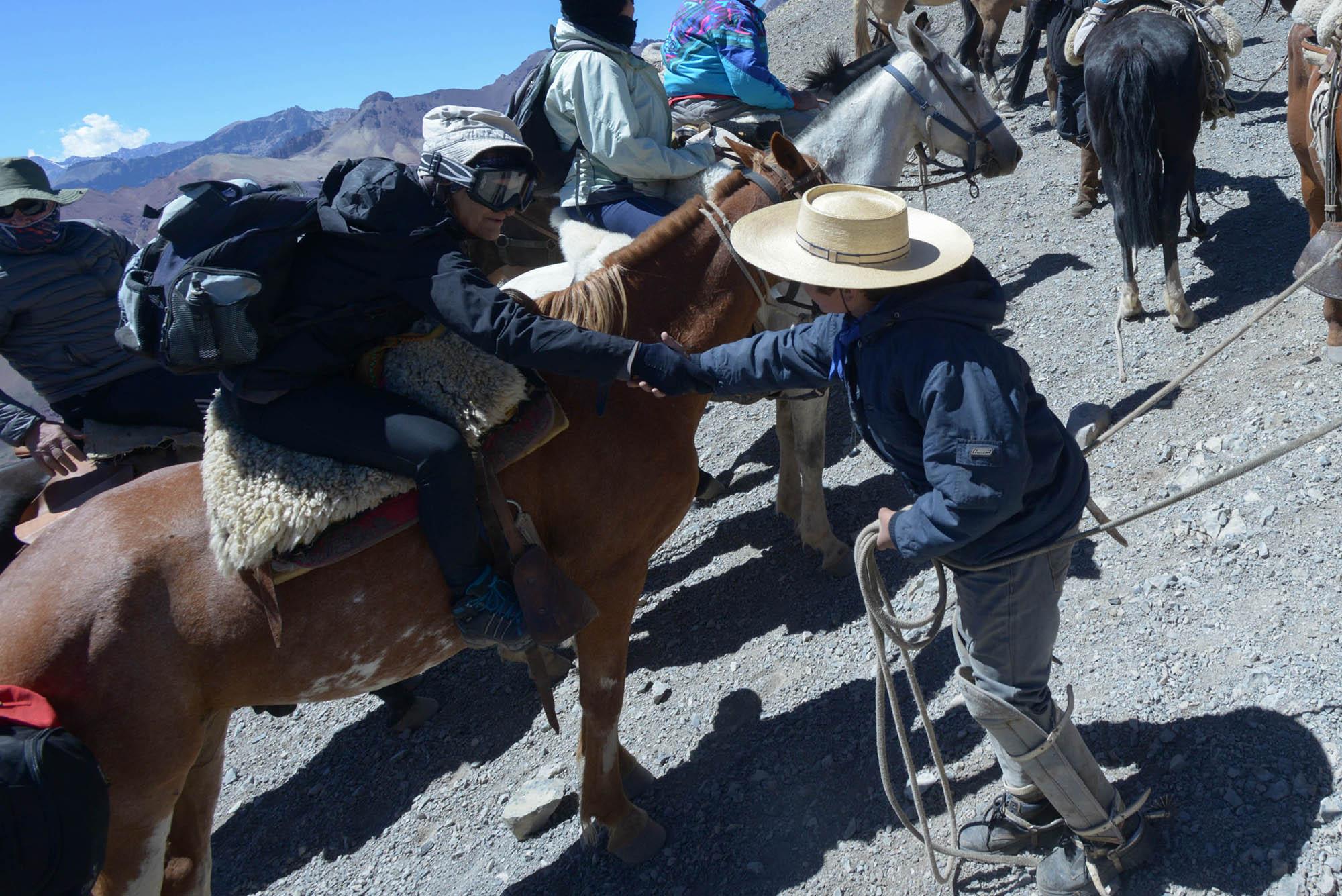 Cruce de los Andes. Con el objetivo logrado, es todo alegría y emoción. (PH: Andrómeda agencia)