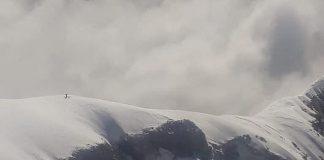 El helicóptero de Aconcagua localizó a dos andinistas en el glaciar de los Polacos.