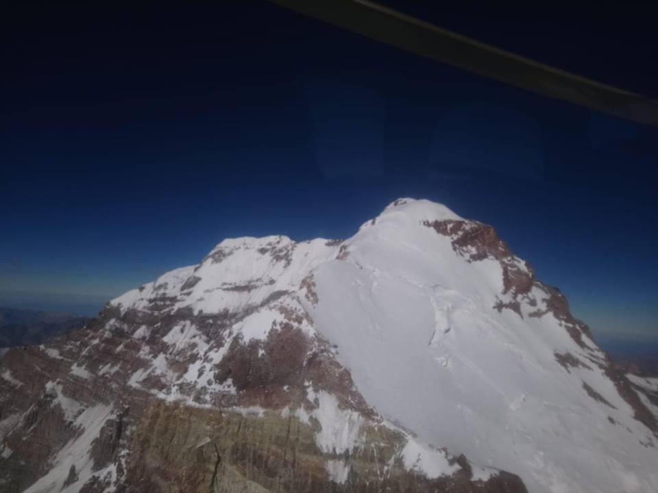 Helicóptero de Aconcagua: impresionante vista aérea del glaciar de los Polacos.