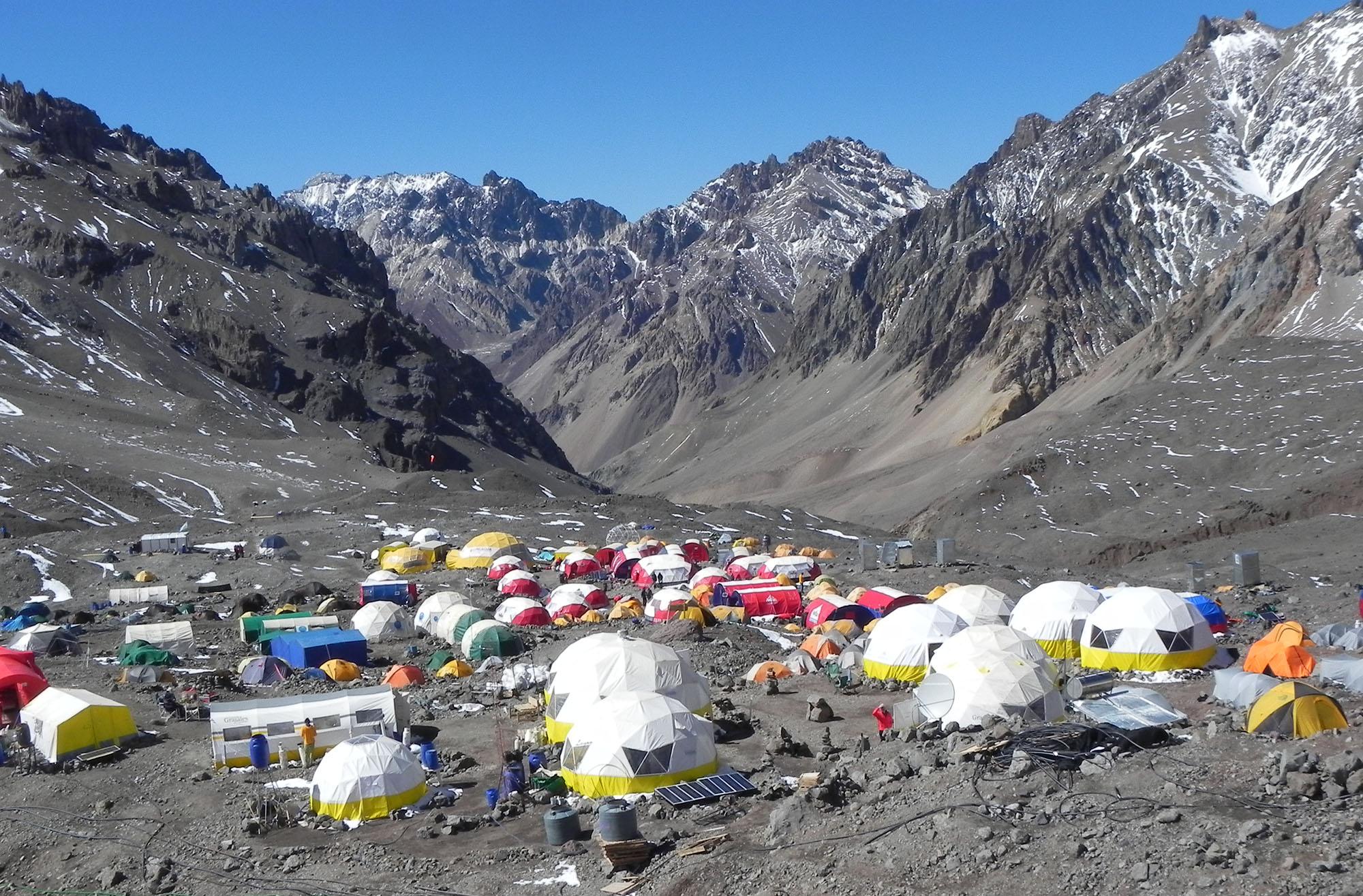 Campamento base de Plaza de Mulas, Parque Aconcagua.