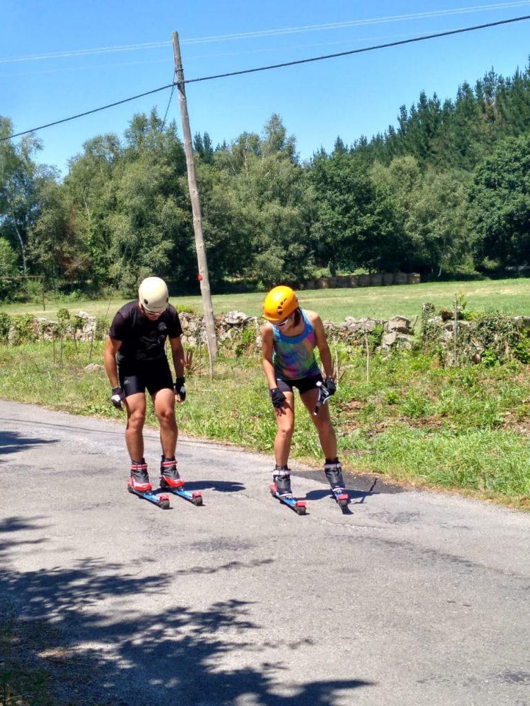 Rollerski, una práctica novedosa para entrenamiento y esparcimiento.