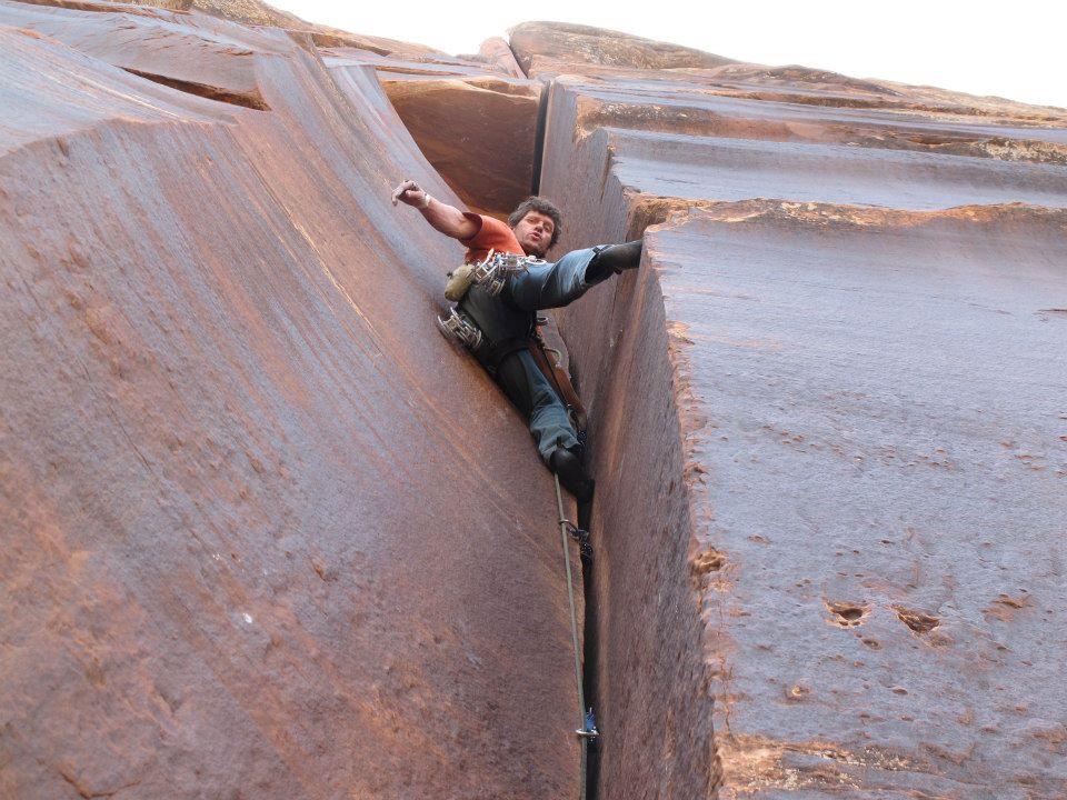 Juan Vallejo, experto escalador, sufrió un grave accidente en Santa Cruz.