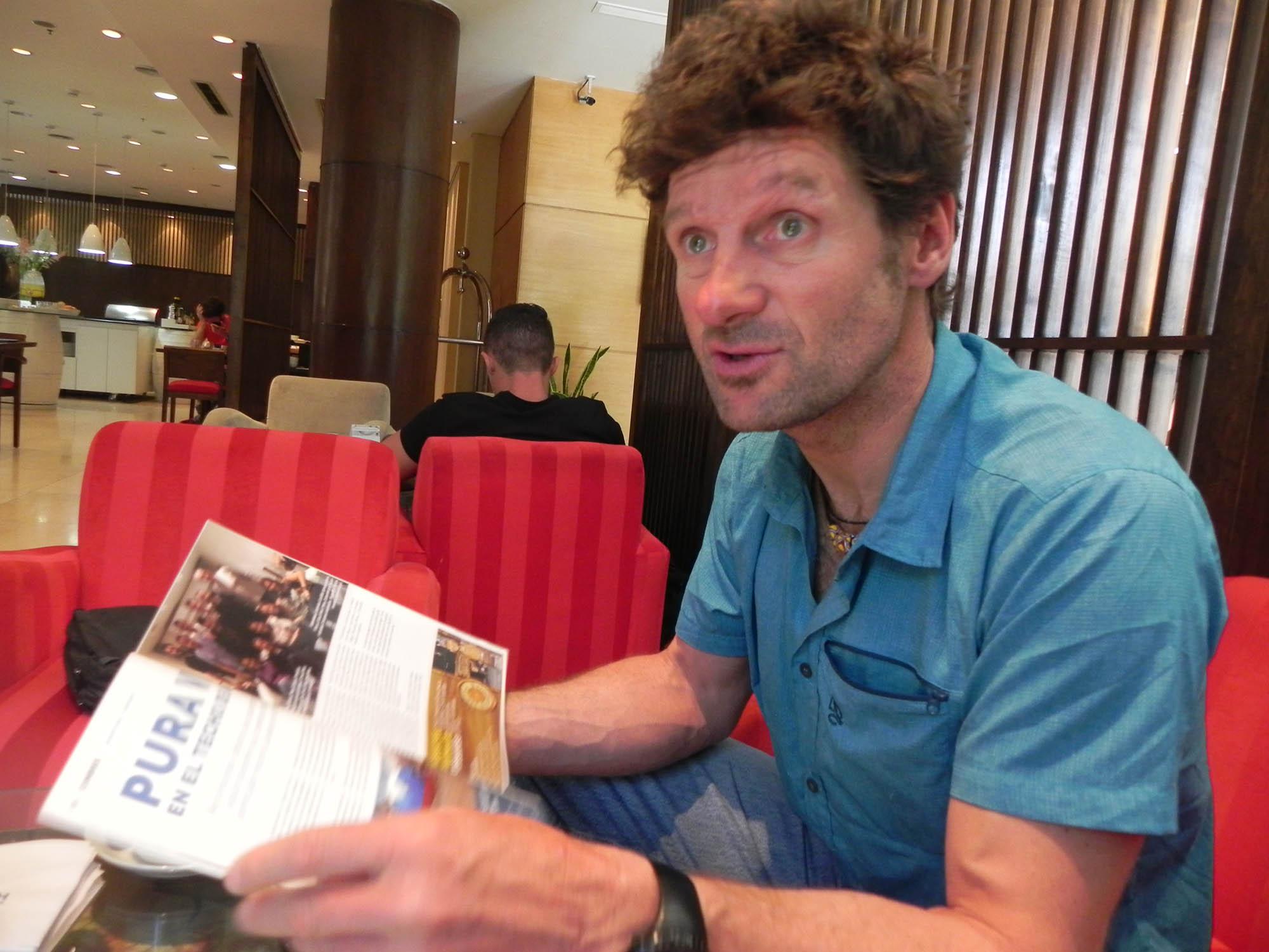 Juan Vallejo en 2018 en Mendoza, entrevistado por Cumbres.