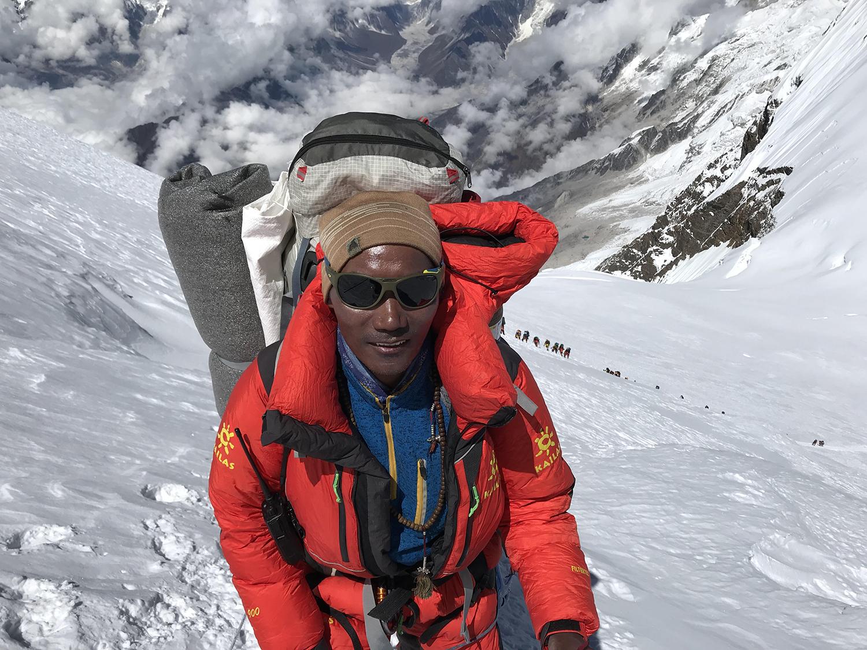 Kami Rita, el hombre récord en Everest, principal impulsor del operativo de limpieza y retiro de cuerpos que harían los sherpas. (PH Vanessa Estol)