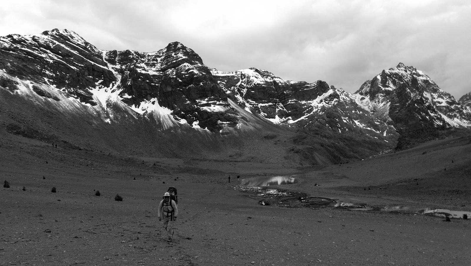 El Nevado Paccha en todo su esplendor, en la cordillera de Pariacaca.