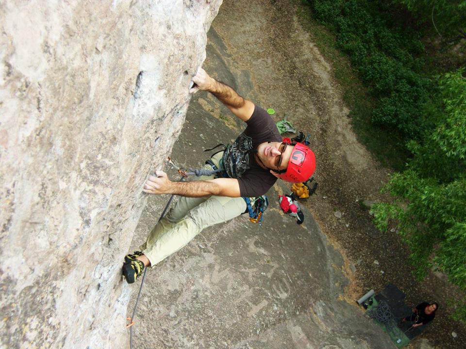 La escalada en roca es una de las pasiones de Niko.