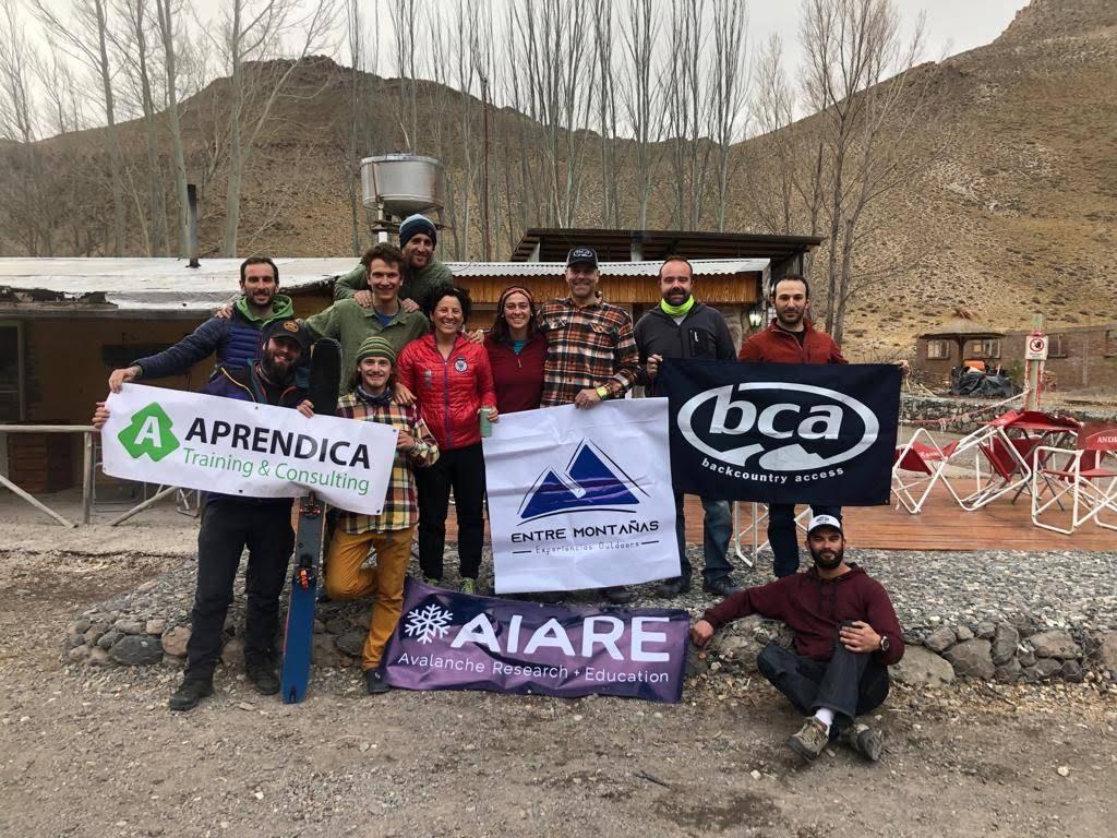 Una nueva edición de los cursos AIARE se llevó a cabo en el paso Pehuenche, Mendoza.