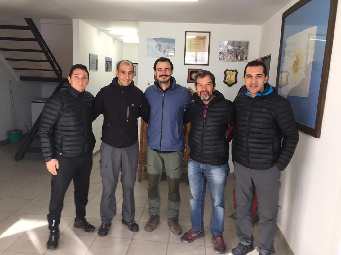 Ya en Mendoza junto a los miembros de la Patrulla de Rescate, asistencia permanente en el intento de Aconcagua invernal.