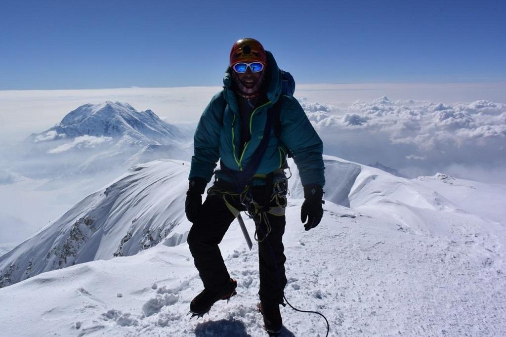 Ascender el Denali implica una expedición 100% blanca durante una docena de días.