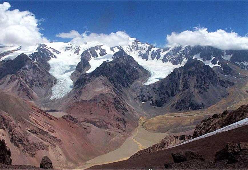 Valle de los Colorados y cerro Mercedario.