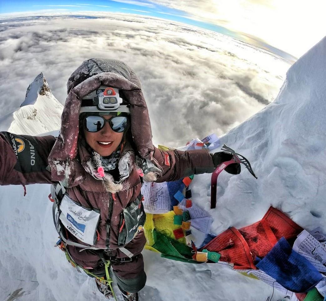 Stefi Troguet (Andorra), hizo cumbre en Manaslu el 26 de septiembre, sin O2 suplementario.