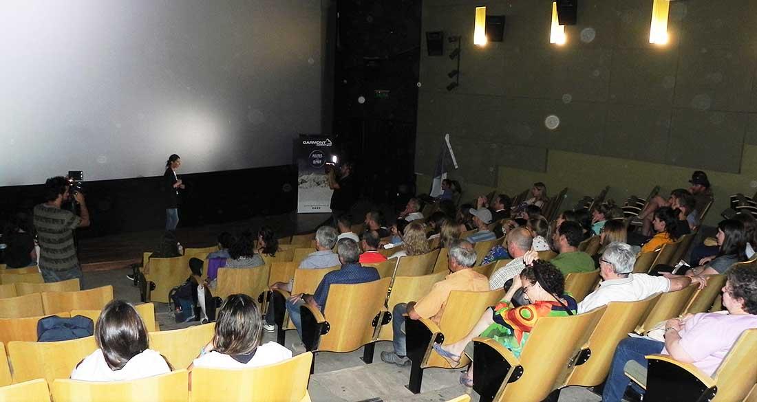 El encuentro con Laly Ulehla tuvo lugar en la Nave de la Universidad Nacional de Cuyo.