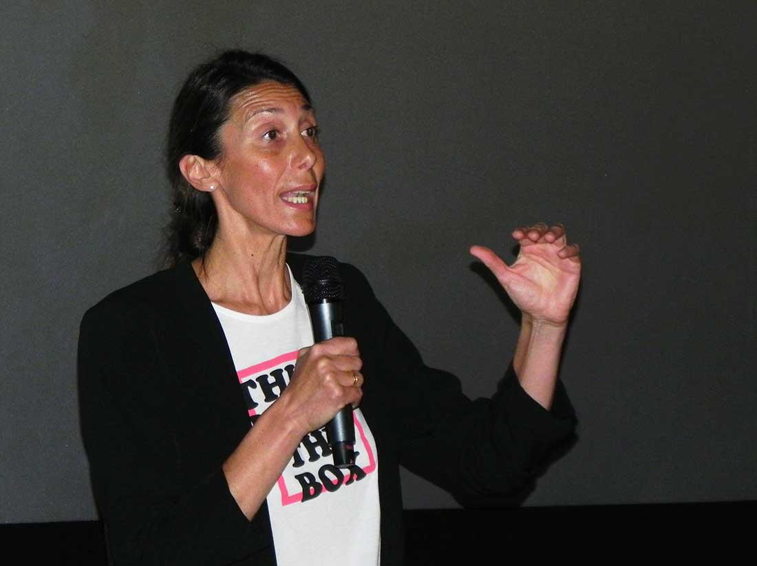 Laly Ulehla durante la conferencia organizada en Mendoza por Mujeres a la Cumbre.