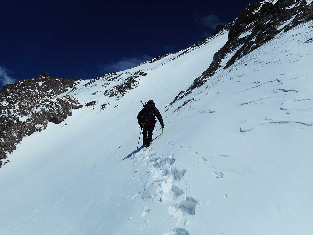 Últimos pasos antes de la cumbre del cerro De los Diablos. (Ph: Glauco Murattti)