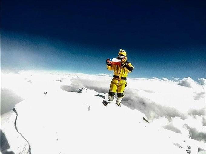 El glorioso paso en la cumbre de Dhaulagiri del chileno Juan Pablo Mohr.