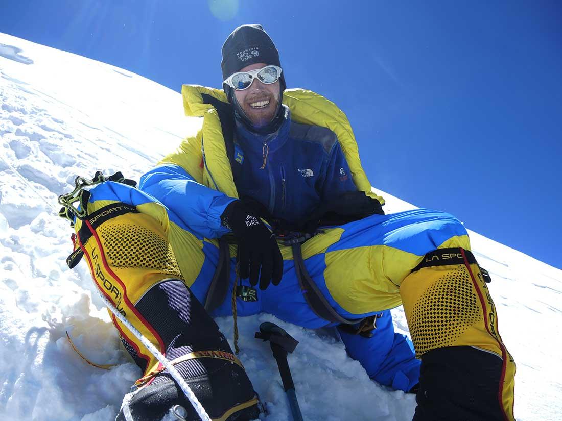 Ulises Kusnezov en la cumbre de Manaslu, octavo monte más alto del planeta.