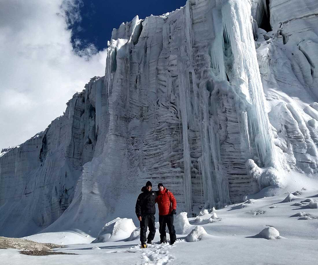 Emanuel Rocha y Gregory Slogar protagonistas de la expedición invernal al Quelccaya.