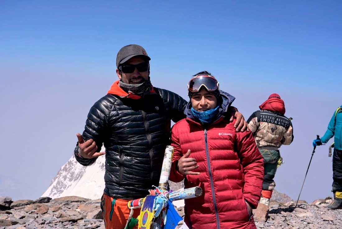 Jerimot y Víctor Rimac en la cumbre de Aconcagua.