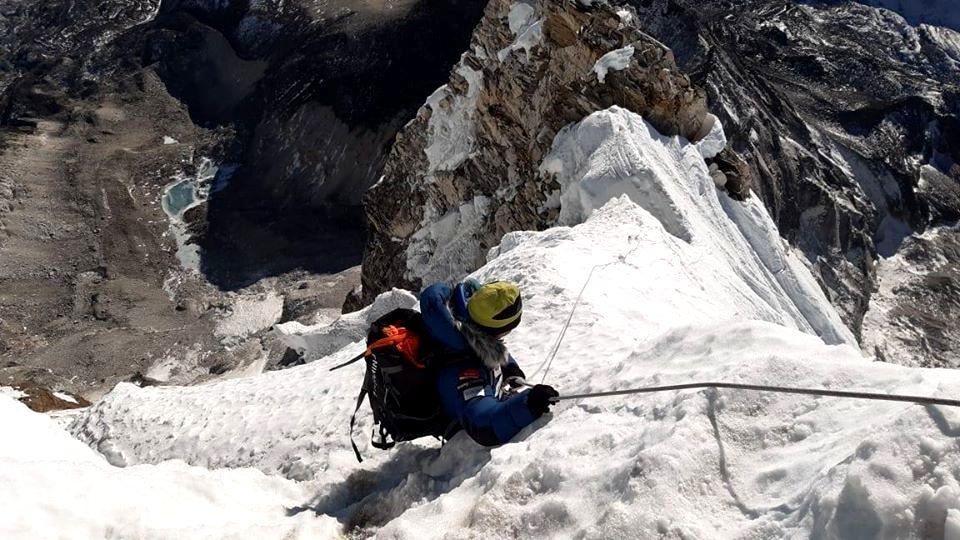Ama Dablam es una montaña técnica y compleja. Y en invierno lo es aún más.