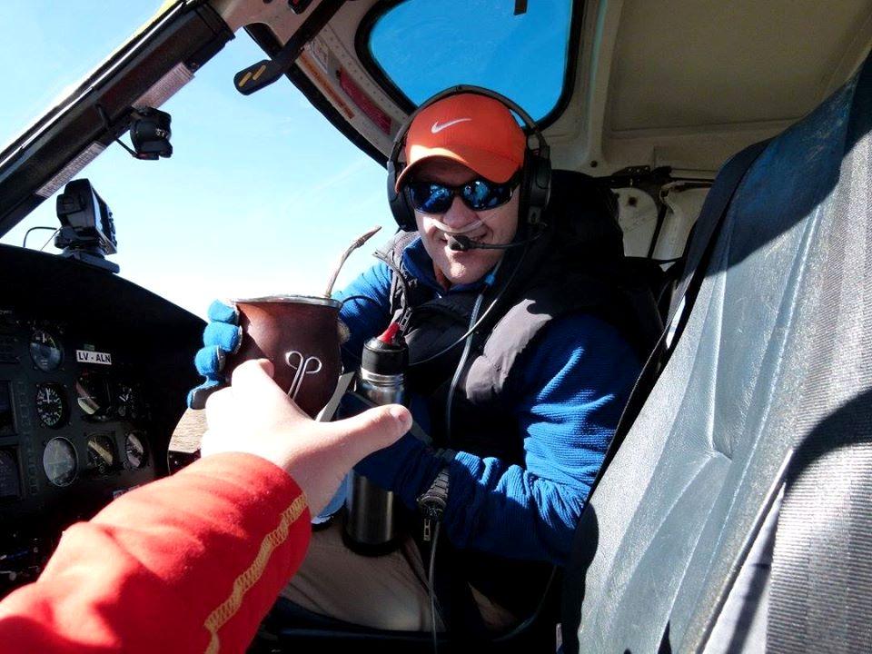 El Duro Horacio Freschi, piloto del helicóptero de Aconcagua. (Ph Mariano Pandolfo)