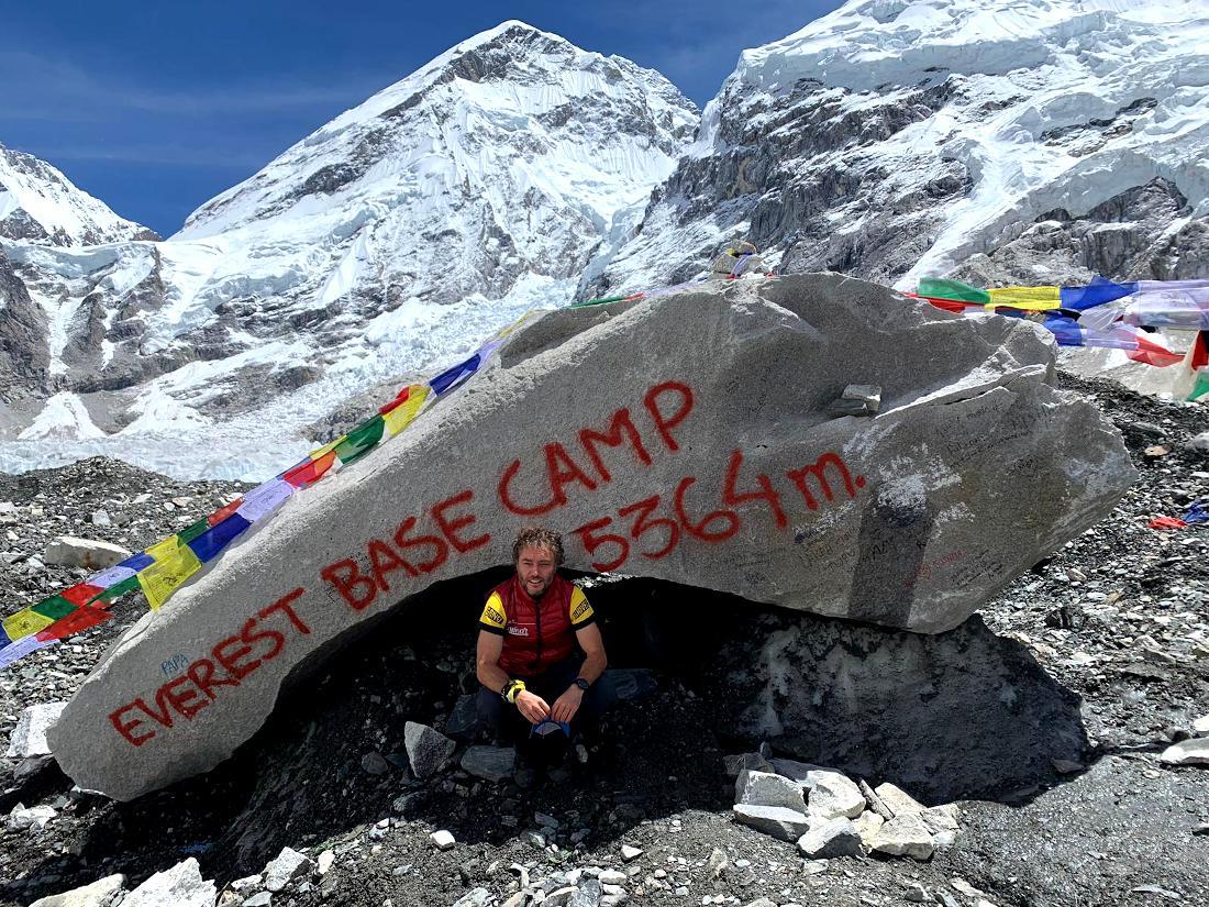En el campo base de Everest.