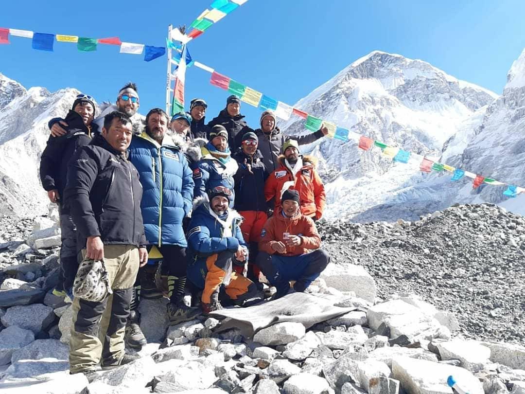 El team completo luego de dar por terminada la etapa Ama Dablam, previo al objetivo mayor.