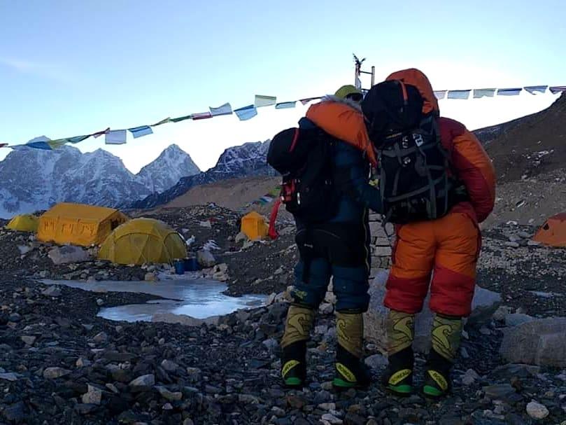 Desde el 31 de enero los expertos alpinistas se encontraban en el campo base de Everest para su desafío invernal.