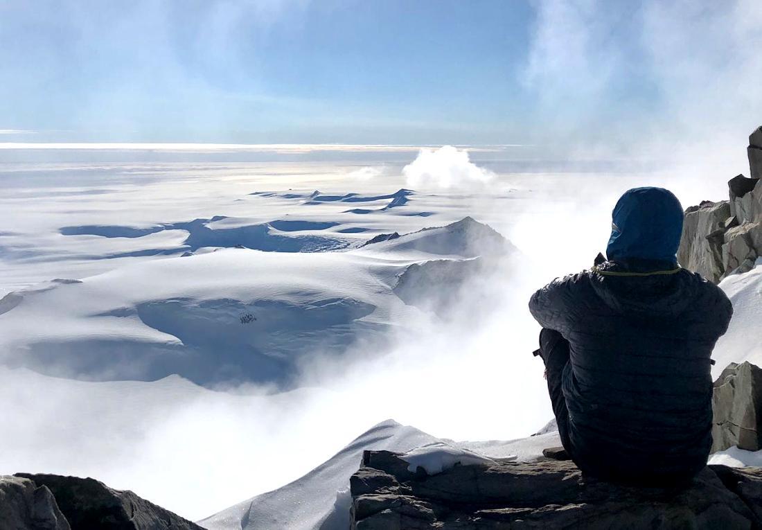 Una enorme planicie blanca de 2.000 kms entre el monte Vinson y el Polo Sur.