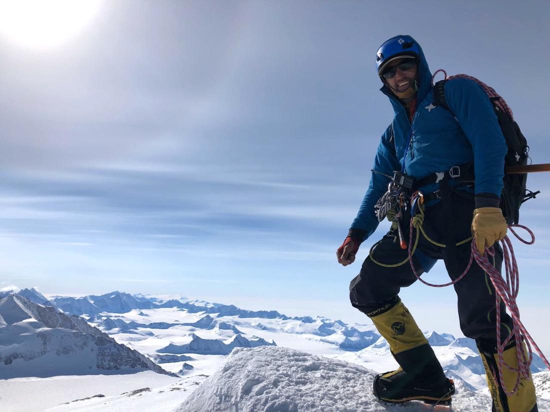 Tomás Ceppi ha guiado en cinco temporadas en Vinson, Antártida.
