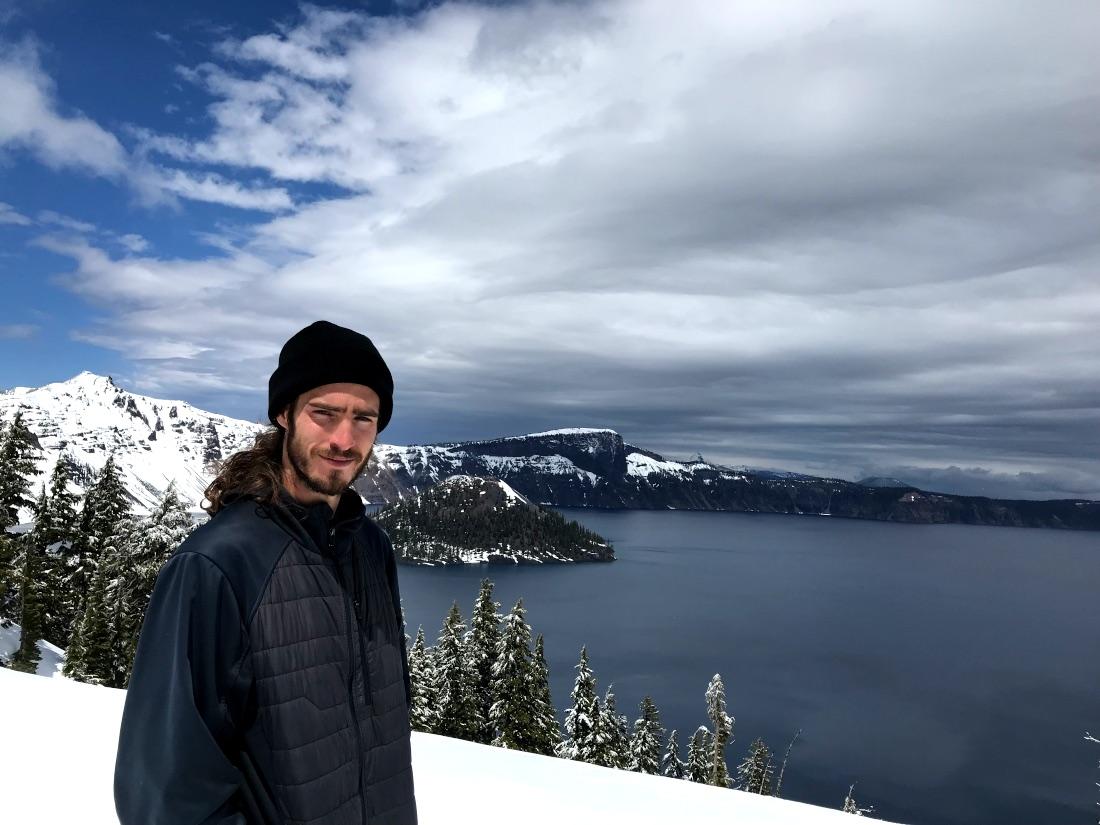 Paul Holmberg en uno de sus sitios preferidos: Crater Lake, Oregon, EE.UU.