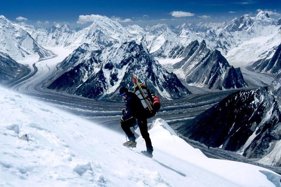 Fantástica toma de Karakorum, Pakistán, desde cercanías de campo 3 en Broad Peak (Ph Amir Kahn)