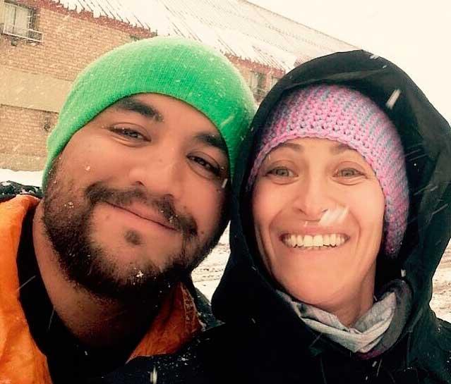 """Luciano """"Lucho"""" Martín y Carolina Bitar, dos mendocinos trabajando en ski en Andorra"""