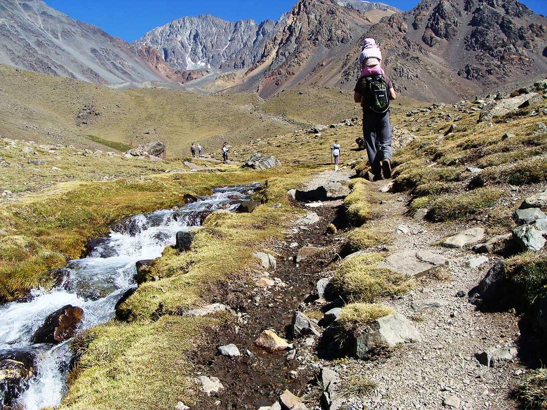 El Cordón del Plata es ideal para todo tipo de actividades de montaña, desde las más accesibles a las más exigentes.