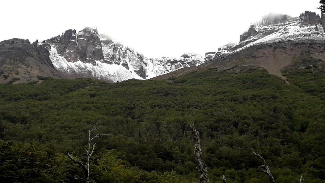 Vuelta al cerro Cortez, en el Sur de Tierra del Fuego. Ph Claudia Alonso.