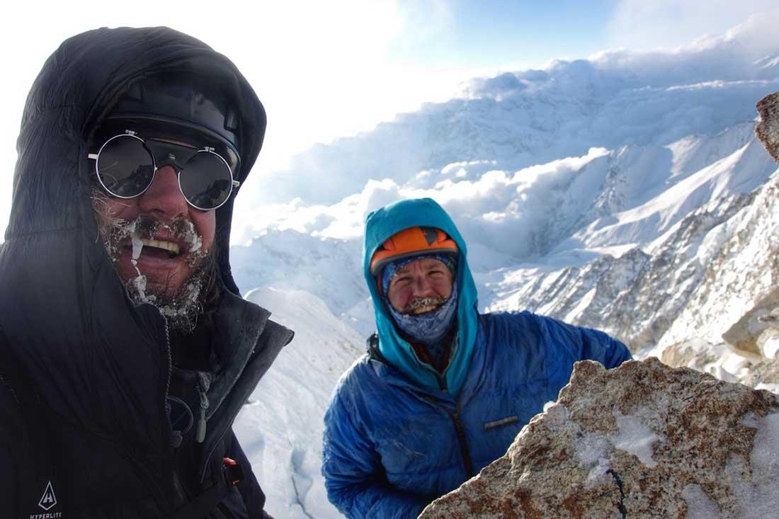 Benjamin Billet (Francia) y John Kelley (EE. UU.) primer ascenso al Chhopa Bamare (Nepal, 6,109m) por la cara sureste. Buenas chances en los Piolets d'Or.