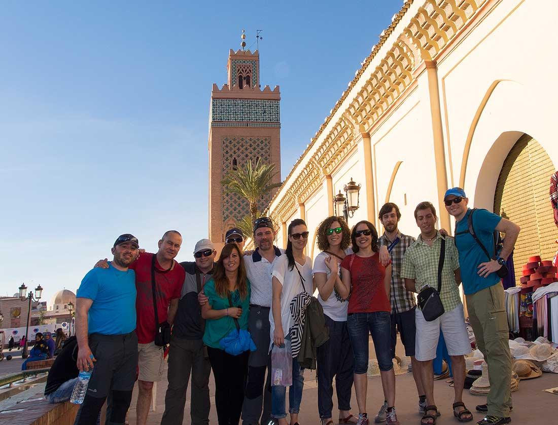 El grupo de la Escuela de Montaña de Lugo (Galicia, España), que logró cumbre en el Toubkal.