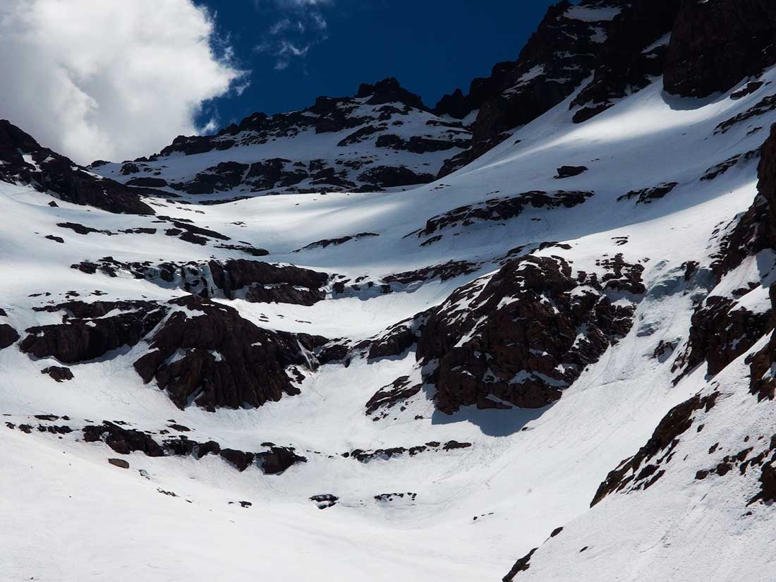 Pico Toubkal (4165 m), en la cordillera del alto Atlas, Maruecos.