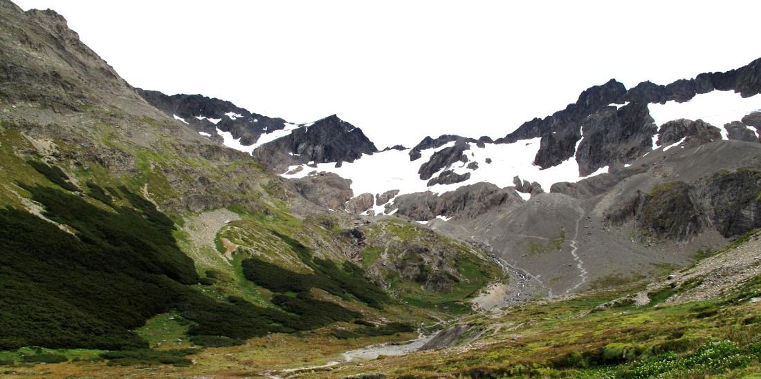 El glaciar Martial se encuentra a sólo 7 kms de la ciudad de Ushuaia (Ph Rogelio Espinosa - findelmundo.tur.ar)
