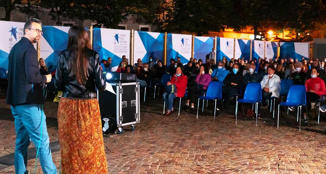 Cholitas recibe el Premio Trentino Forum por la Paz y los Derechos Humanos, por parte del Consejo Provincial.