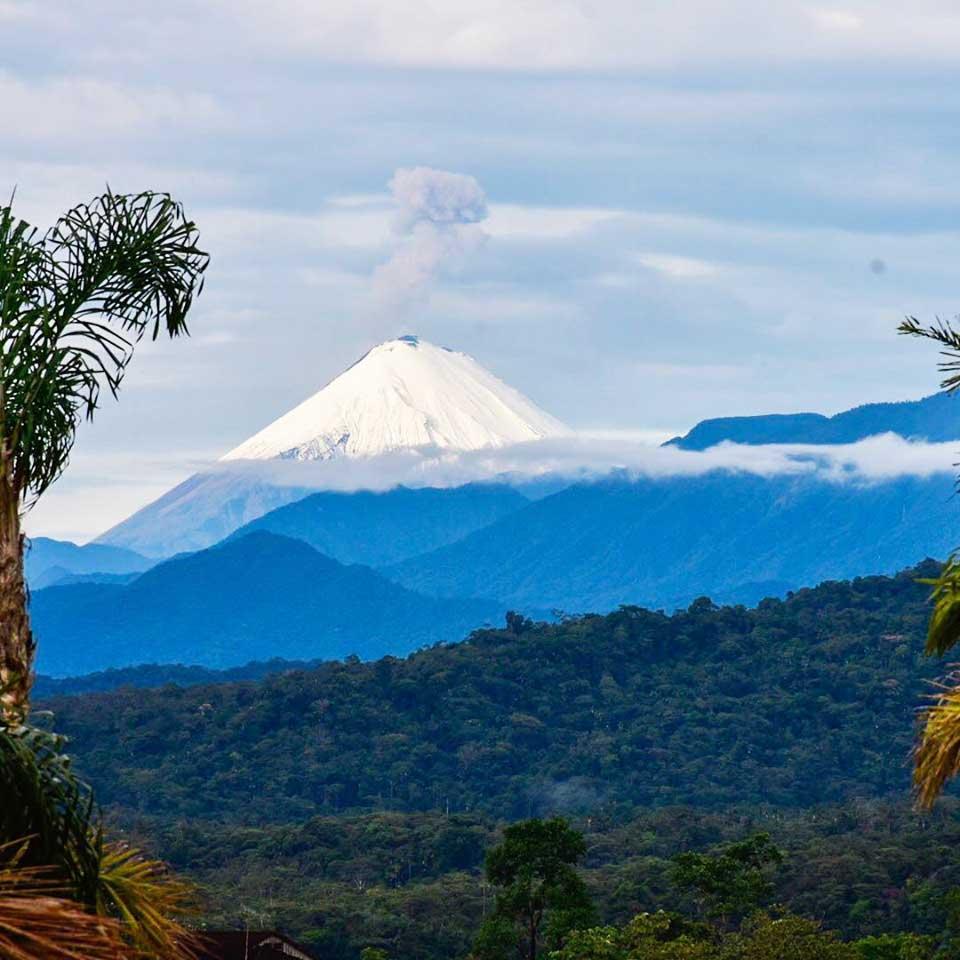 El Sangay, nítido en el horizonte ecuatoriano.