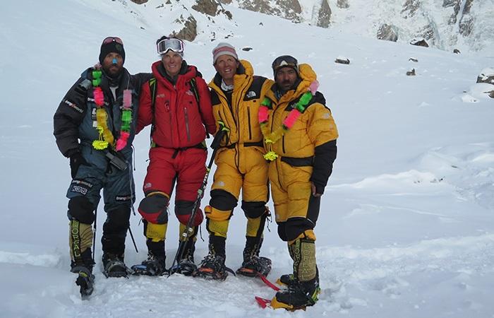 Alex Txikon, Tamara Lunger, Simone Moro y Ali Sadpara en la invernal al Nanga Parbat de 2016. Los 3 hombres hicieron cumbre.